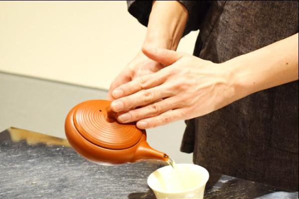 オフィスだより周辺環境_日本茶カフェ神戸チャイハーネ02