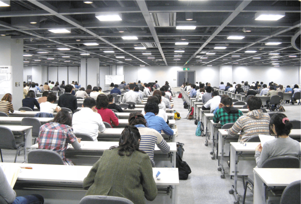 大学入試(エキジビションスペース)