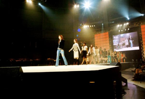 ファッションショー(アトリウムプラザ)