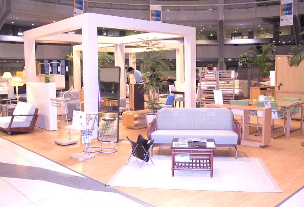 家具展示会の様子