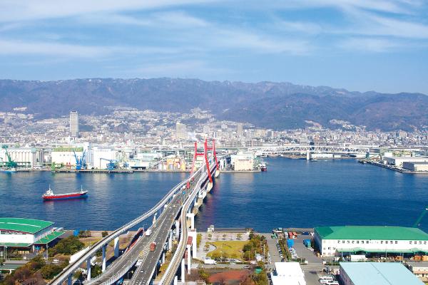 第5回オフィスだより_耐震強化措置の取られる六甲大橋