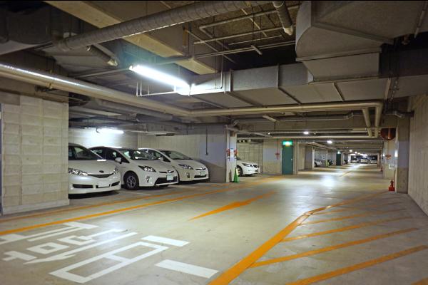 KFM地下駐車場